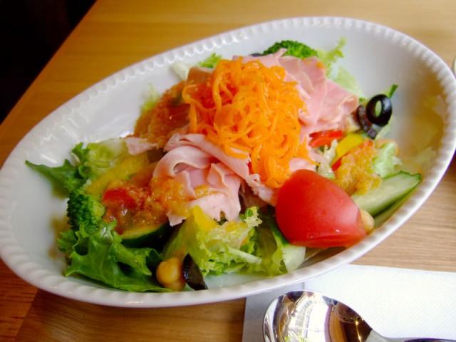 立派なサラダ。