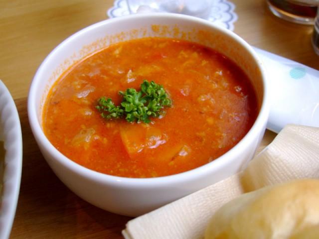 ロシアスープ。サラダランチの時はミニサイズ。