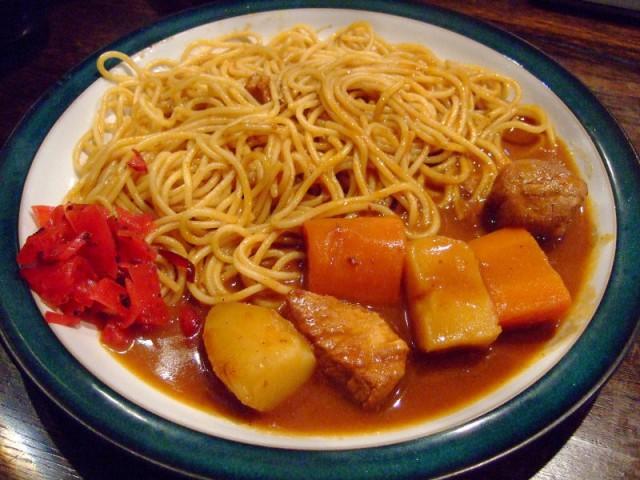 タピオラ看板メニューのカレースパゲティ